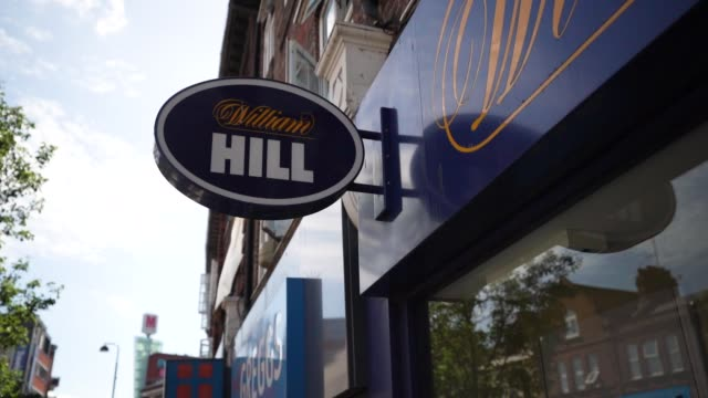 vídeos y material grabado en eventos de stock de general view of william hill betting and gambling shop on august 20, 2020 in unspecified, united kingdom. the office for national statistics reported... - stabilized shot