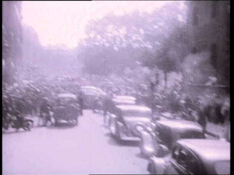 august 26, 1944 montage battle for paris on the champs elysees with civilians in the crossfire / france - 1944 stock videos & royalty-free footage