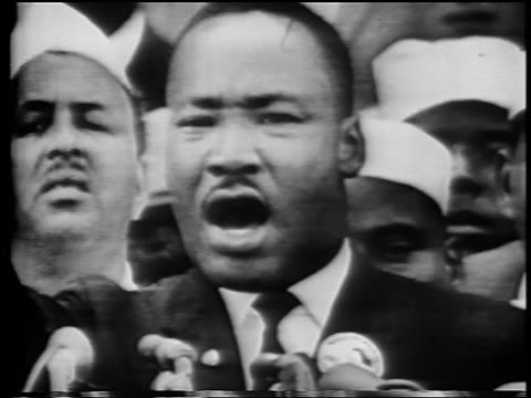 vídeos de stock e filmes b-roll de b/w august 28 1963 close up martin luther king jr giving i have a dream speech / march on washington - 1963