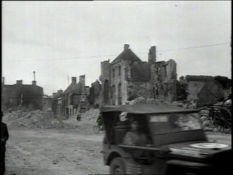 august 4 1944 montage aftermath of combat in a french town during wwii / rennes france - rennes frankreich stock-videos und b-roll-filmmaterial