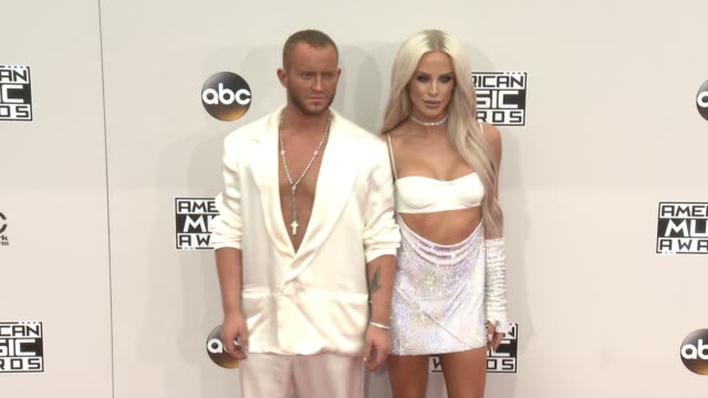 august getty and gigi gorgeous at 2016 american music awards at microsoft theater on november 20 2016 in los angeles california - 2016 american music awards stock videos and b-roll footage