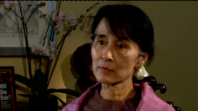 Oxfordshire Oxford INT Aung San Suu Kyi interview SOT re being back after 24 years the whole of England seems to be cleaner city councils are taking...