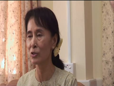 """aung san suu kyi talks of """"doing as much as i can"""" whether she is free or under house arrest - {{asset.href}} stock-videos und b-roll-filmmaterial"""