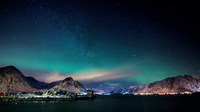 TIME LAPSE: Aurora Borealis, Lofoten Islands, Arctic Norway
