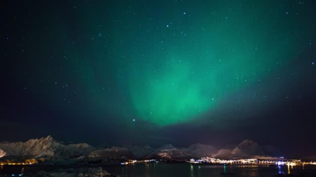 zeitraffer: aurora borealis - polarlicht stock-videos und b-roll-filmmaterial