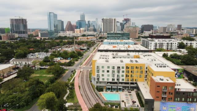 vídeos de stock e filmes b-roll de austin texas a city under rapid growth - rapid city