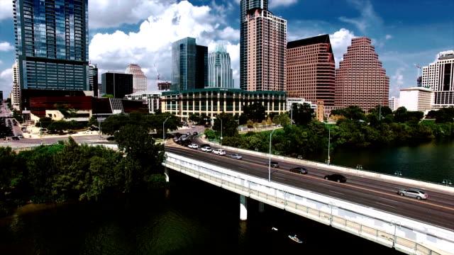 austin texas high contrast downtown skyline flying low near congress avenue bridge closer to downtown - high contrast stock videos & royalty-free footage