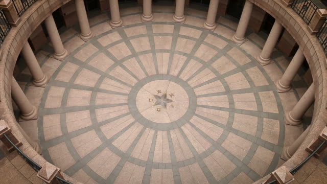 austin texas state capitol building 2 - colonnade stock videos & royalty-free footage