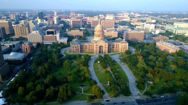 austin texas state capitol building aerial drone view right in front of building - texas state capitol building stock videos & royalty-free footage