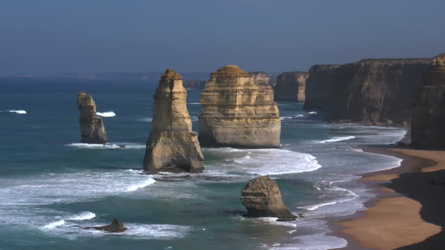 australia great ocean road 12 apostles morning good light pan - geology stock videos & royalty-free footage
