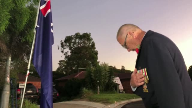 australia holds a national commemorative dawn service for anzac day, in memory of soldiers lost in wars and peacekeeping operations - anzac day stock videos & royalty-free footage