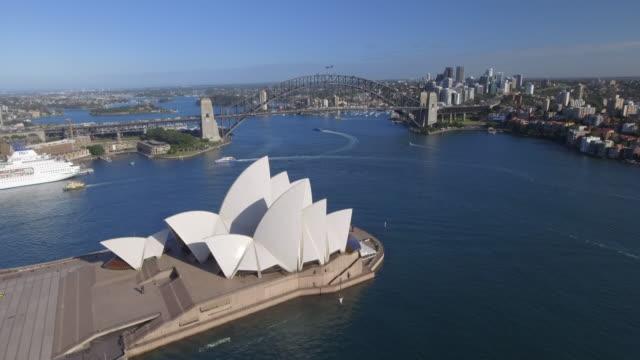 australia sydney drone aerial - opernhaus stock-videos und b-roll-filmmaterial