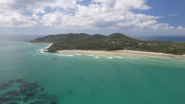 australia_4k_drone_landscape_bayronbay_open_surf_lighthouse - western australia bildbanksvideor och videomaterial från bakom kulisserna