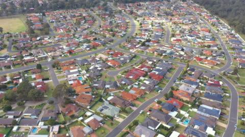 vidéos et rushes de australian housing estate - lotissement