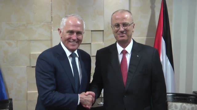 Australian Prime Minister Malcolm Turnbull met Wednesday with his Palestinian counterpart Rami Hamdallah in Ramallah in the occupied West Bank a day...