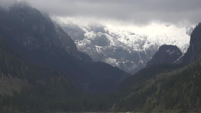 austria morning clouds over haher dachstein - アッパーオーストリア点の映像素材/bロール