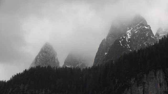 austria mysterious clouds over bischofsmutze die tennengebirge time lapse - アッパーオーストリア点の映像素材/bロール