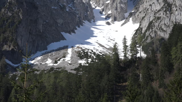 austria snow filled depression - アッパーオーストリア点の映像素材/bロール