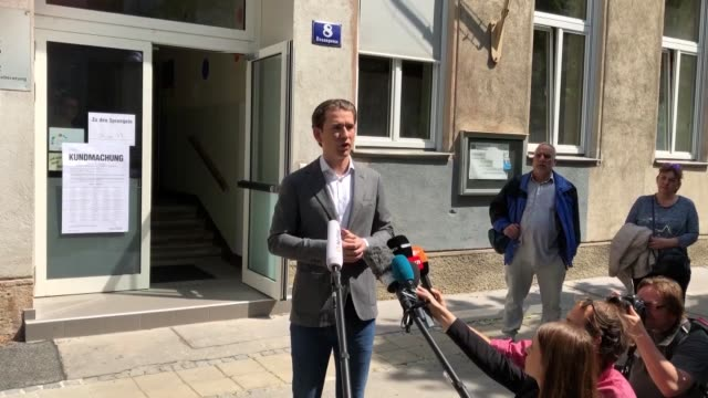 vidéos et rushes de austrian chancellor sebastian kurz and mail opposition leader pamela rendi wagner address the media after voting for the european parliament... - post it