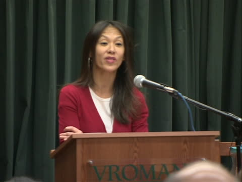 stockvideo's en b-roll-footage met author amy chua sot saying she was raised by strict chinese immigrant parents. chua set off quite a bit of controversy with the release of her book... - um animal