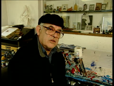 author hunter s thompson commits suicide ralph steadman interview sot no / he told me he'd do it one day if life became too unbearable for him/ he... - ralph steadman stock videos & royalty-free footage