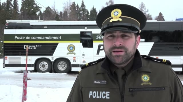 authorities in the canadian province of quebec found two more bodies after a group of french tourists riding snowmobiles crashed through the ice of a... - québec provincia video stock e b–roll