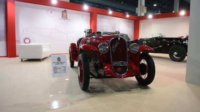 auto e moto d'epoca in padua is the biggest vintage car and spare parts market in europe. the italian fiat register present fiat 508 s balilla... - größter stock-videos und b-roll-filmmaterial