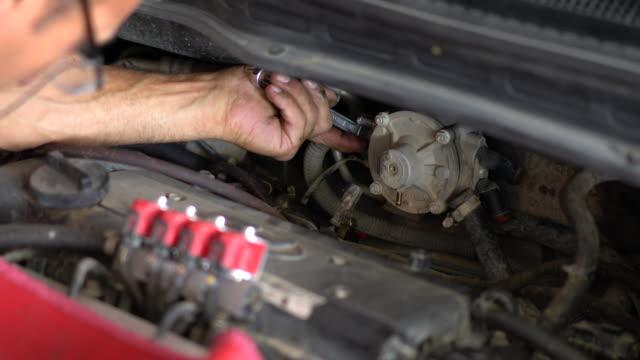 auto mechanic - mechanic stock videos & royalty-free footage