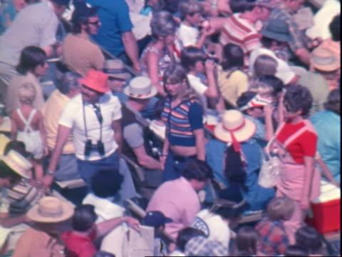 auto racing crowds, spectators - motorsport stock videos & royalty-free footage