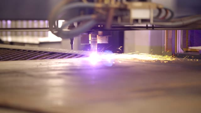 automated plasma cutter - indústria stock videos & royalty-free footage