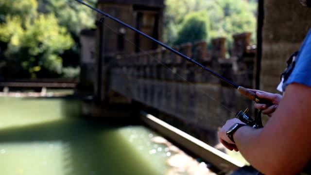 vídeos de stock, filmes e b-roll de outono de pesca - roldana