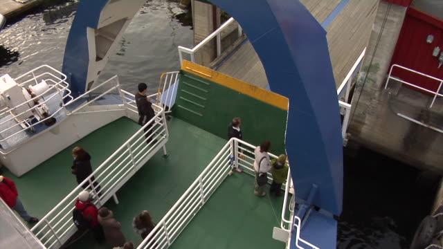 vídeos y material grabado en eventos de stock de autumn in flåm - terminal de ferry