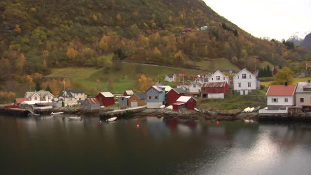 stockvideo's en b-roll-footage met autumn in the aurland fjord - kees van den burg