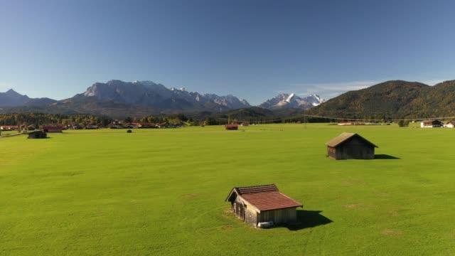 vídeos de stock, filmes e b-roll de autumn landscape, upper bavaria, germany, europe - alta baviera