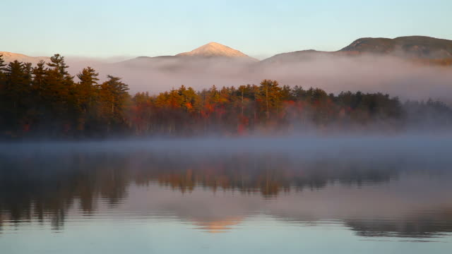 herbst-nebel - new hampshire stock-videos und b-roll-filmmaterial
