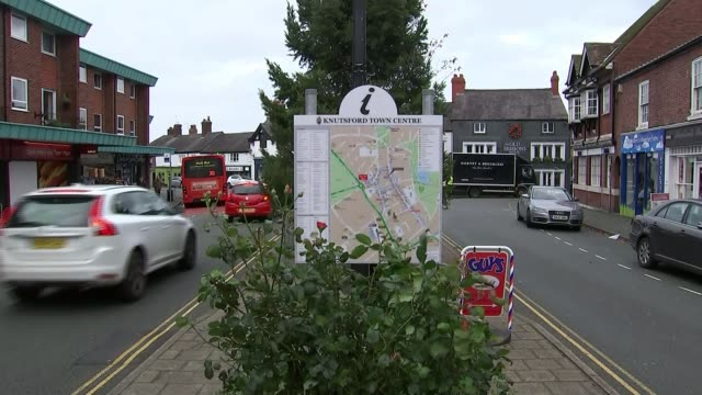 Working Tax Credits options / ComRes poll ENGLAND Cheshire Knutsford EXT Roundabout junction in Knutsford town centre 'Knutsford Town Centre' in...