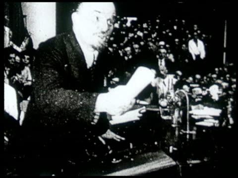 vídeos y material grabado en eventos de stock de avant garde film depicting vladimir lenin's life and death and the different people of russia - lenín