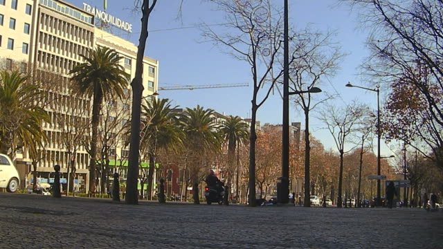 avenida da liberdade in lisbon - liberdade stock videos & royalty-free footage