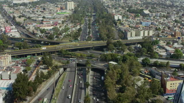 Avenida de los Insurgentes In Mexico City