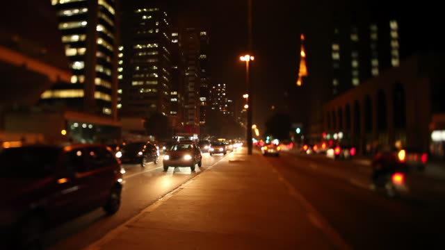 ws r/f avenida paulista avenue at night / sao paulo, brazil - avenue stock videos & royalty-free footage
