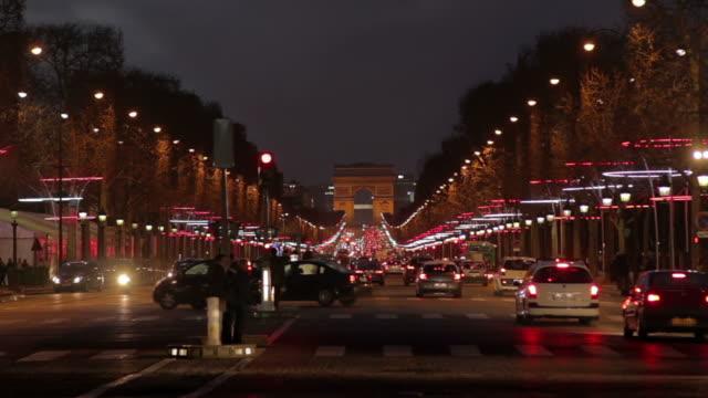 avenue des champs-elysées in der nacht - night vision stock-videos und b-roll-filmmaterial