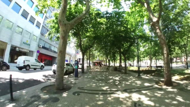 stockvideo's en b-roll-footage met weg in lissabon - liberdade