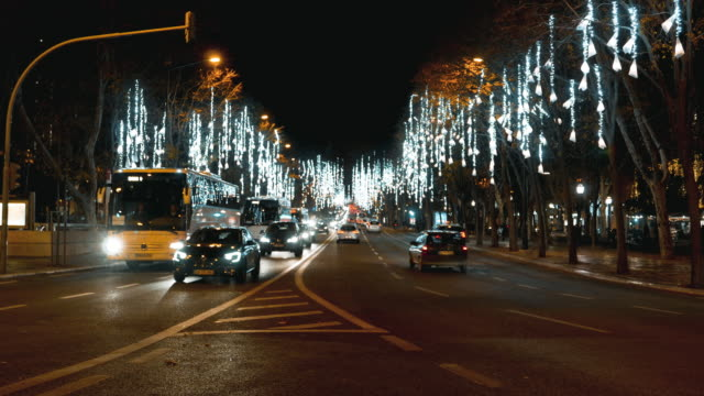 stockvideo's en b-roll-footage met avenue in lissabon - liberdade