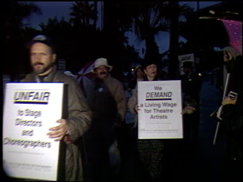 avery schreiber at the stage directors protest at pasadena playhouse in pasadena california on january 17 1993 - pasadena playhouse stock videos & royalty-free footage