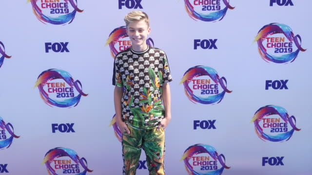 avi angel at the teen choice 2019 on august 11 2019 in hermosa beach california - annual teen choice awards stock videos & royalty-free footage