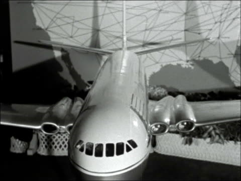 new comet 4a aircraft; england: london: int aubrey burke interview on new comet 4a airliner sot model of comet 4a aircraft burke interview continues... - 彗星点の映像素材/bロール