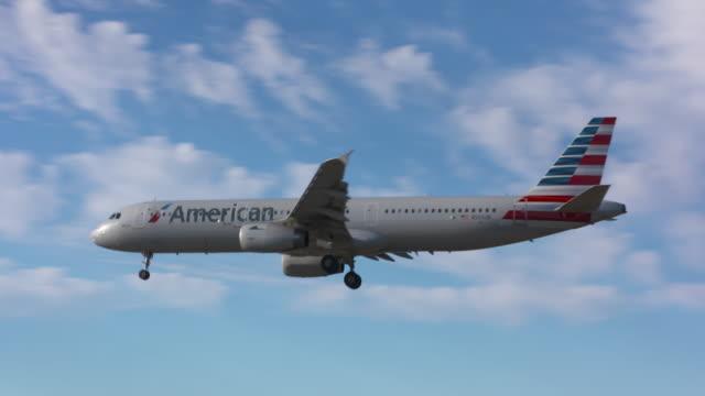 vidéos et rushes de aviation - avion de tourisme