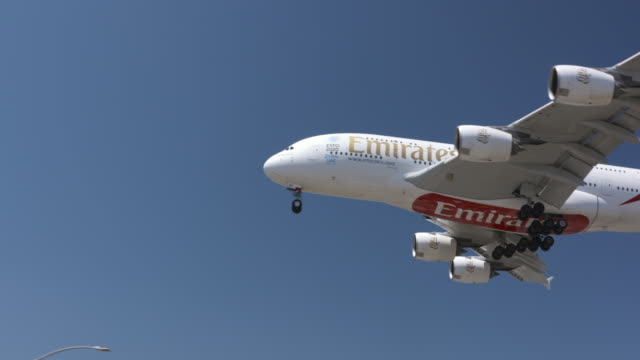 aviation - vereinigte arabische emirate stock-videos und b-roll-filmmaterial