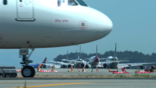 aviation - taxiing stock videos & royalty-free footage