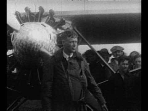 aviator charles lindbergh at city hall ceremony with new york mayor jimmy walker where he will receive key to the city / lindbergh stands in front of... - charles lindbergh stock videos & royalty-free footage